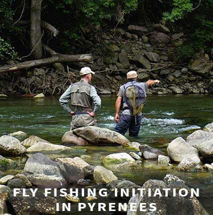 Fly fishing initiation in Pyrénées