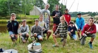 Camp pêche pour jeunes dans le Puy-de-Dôme