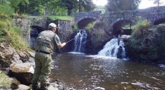 Initiation à la pêche au tenkara dans la vallée de la Creuse