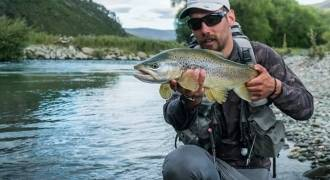 Fly fishing initiation in Bearn