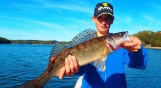 Journée de pêche aux carnassiers sur le lac de Pareloup