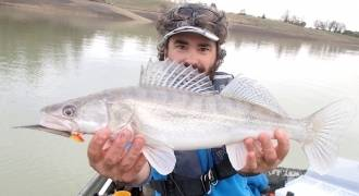 Pêche aux leurres sur le lac de Lunax en Haute-Garonne