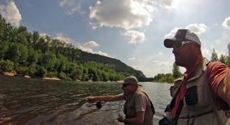 Fly fishing initiation looking for trout and grayling in Dordogne