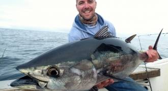 Tuna fishing in Arcachon with lure