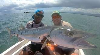Pêche côtière en bateau aux leurres et à la mouche