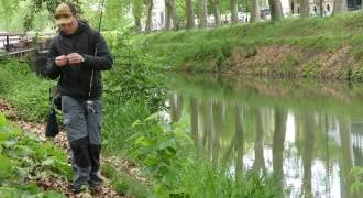 Fishing in Canal du Midi in Toulouse