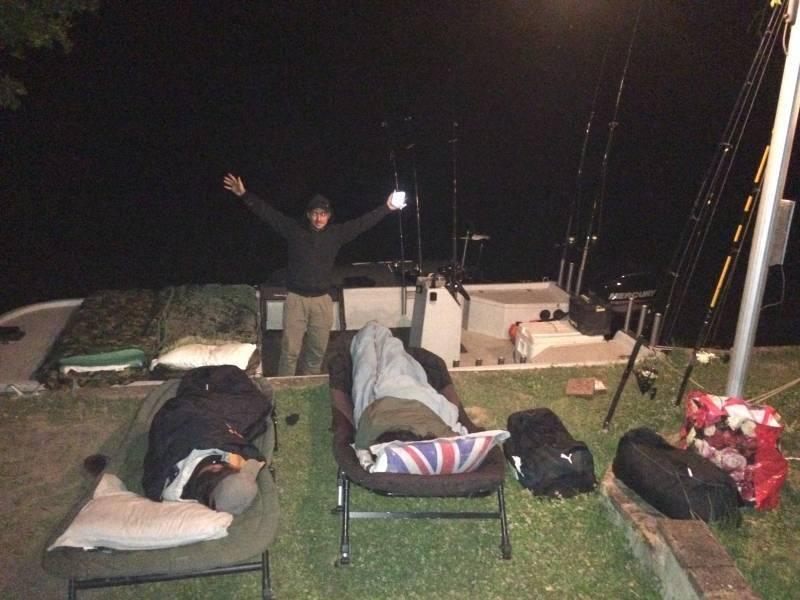 Camp de pêche de pêche de la carpe