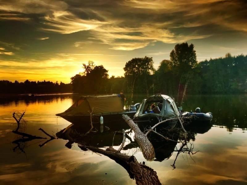 Camp de pêche du silure et de la carpe