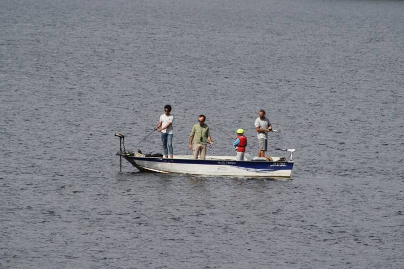 Pike fishing by boat in Lozere