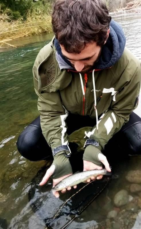 Pêche de la truite aux appâts naturels dans le Béarn