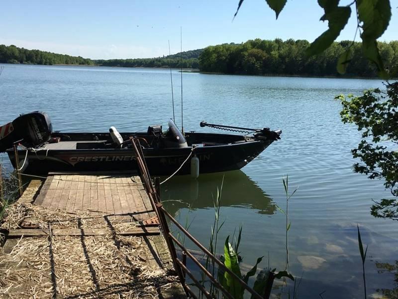 Pêche des carnassiers au leurre sur le lac de Madine