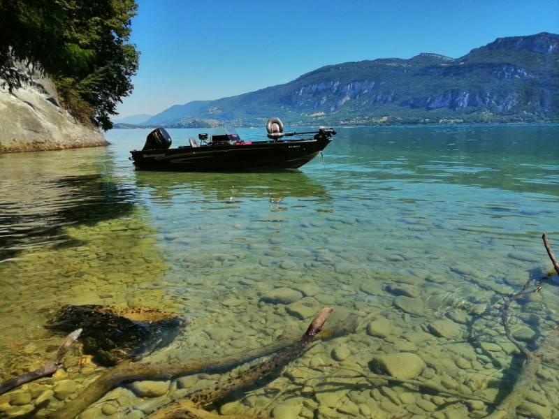 Pêche des carnassiers et salmonidés sur le lac du Bourget