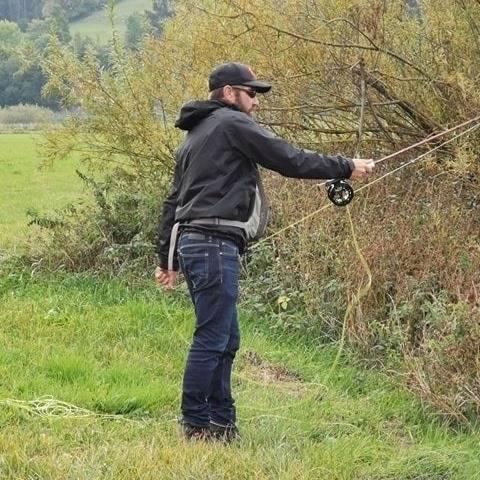 Pêche du brochet a la mouche dans le Doubs