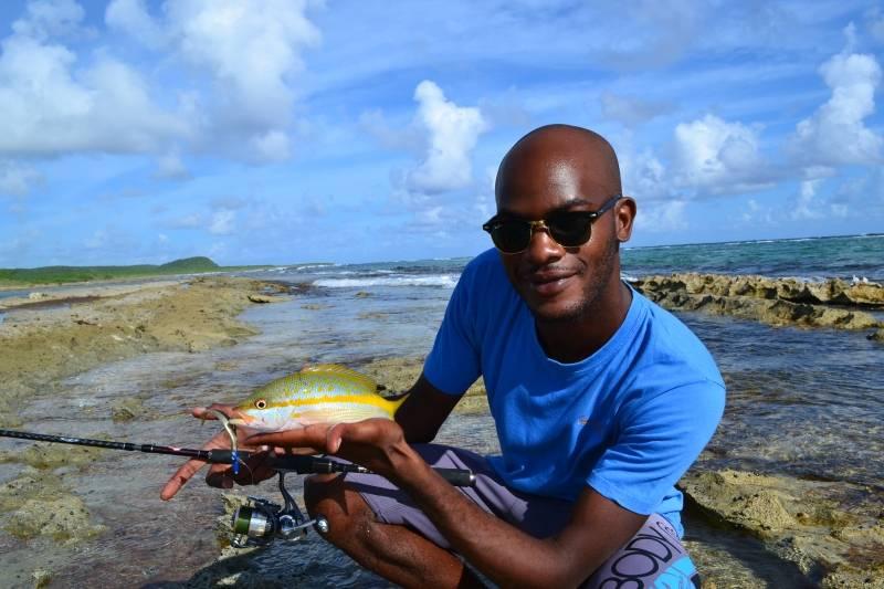 Pêche en Guadeloupe du bord en rockfishing