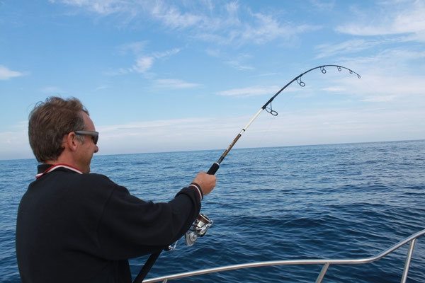 Tuna fishing with artificial lures in Arcachon