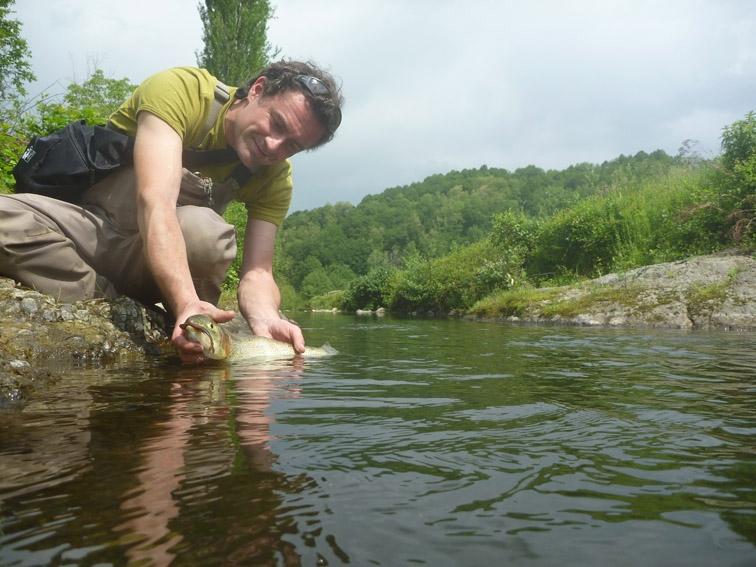 Stage de pêche à la truite aux leurres dans les Pyrénées-Atlantiques